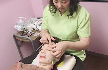 下部画像-美容鍼灸2